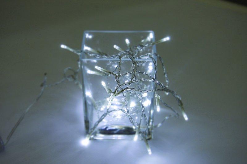 Vánoční LED řetěz na baterie 50 LED 5m studená bílá